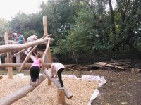 Bild zu Stadtpark mit Spielplatz und Straße der Kinderrechte
