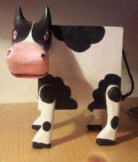 Bild zu Kindertheaterreihe: Dresdner Figurentheater: Eine Kuh namens Liesel