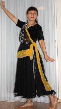 Bild zu Thais Maruns Tanzgruppe