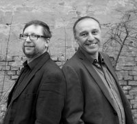 Bild zu Happy Hour : Piaphonics-Duo - Easy Blues und Jazzy Music