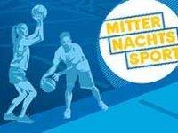 Sport und Spaß: Basketball und Badminton um Mitternacht in Langwasser